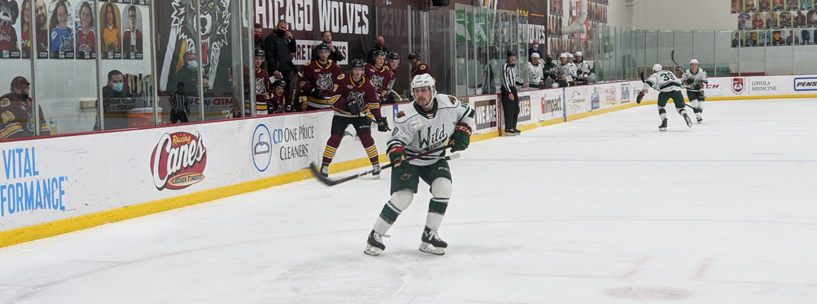 WILD FALL TO WOLVES 4-1 IN CHICAGO