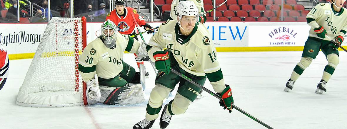 WILD DEFENSEMAN DAEMON HUNT RETURNS TO WHL